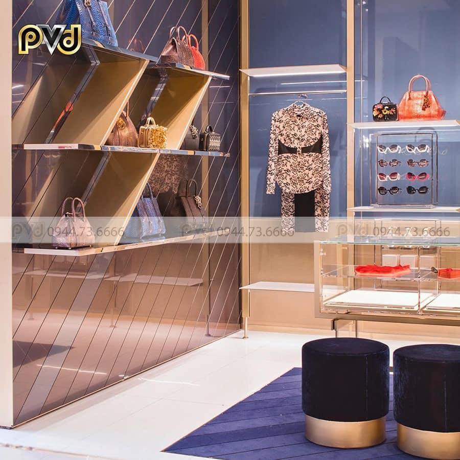 Inox mạ vàng mang đến sự sang trọng cho shop thời trang