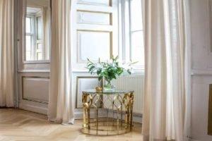 Giải đáp thắc mắc Side Table là gì? Ứng dụng của chúng trong thiết kế nội thất