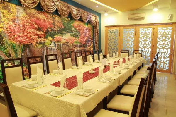 cách setup bàn ăn nhà hàng Việt Nam