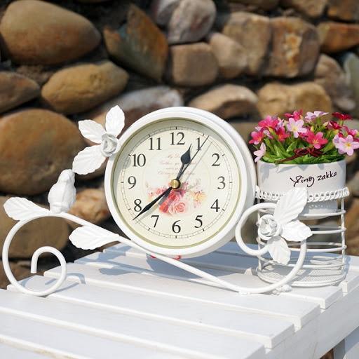 Đồng hồ trang trí phòng ngủ