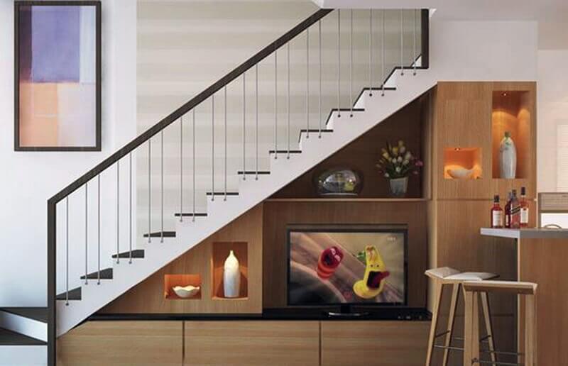 kệ tivi đẹp dưới chân cầu thang